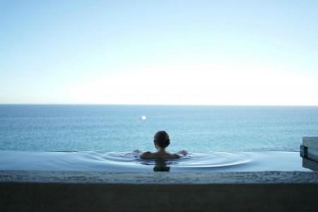 Det er faktisk stressfritt å ha basseng